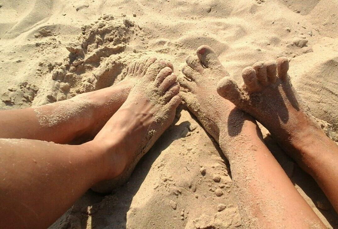 Les pieds dans la Plage Saint-Raphaël