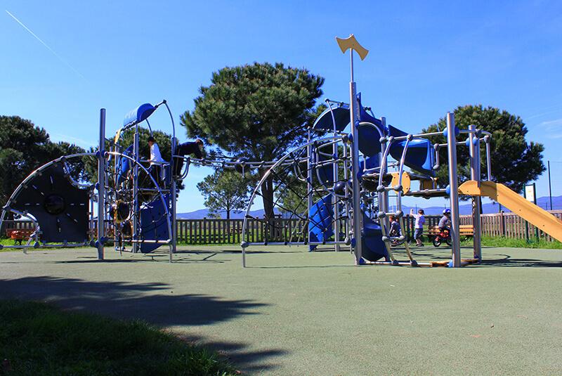 Aires de jeux de la Base Nature à Fréjus