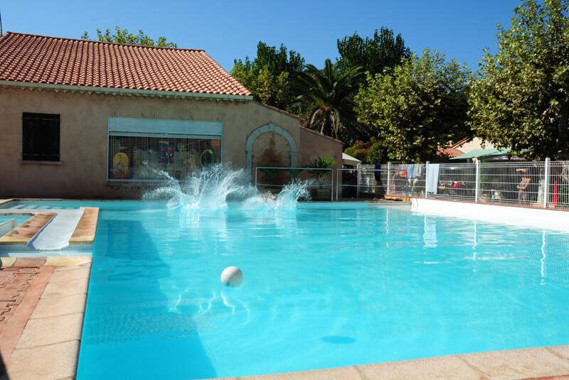 La piscine du Camping Azur Rivage à Saint-Raphaël