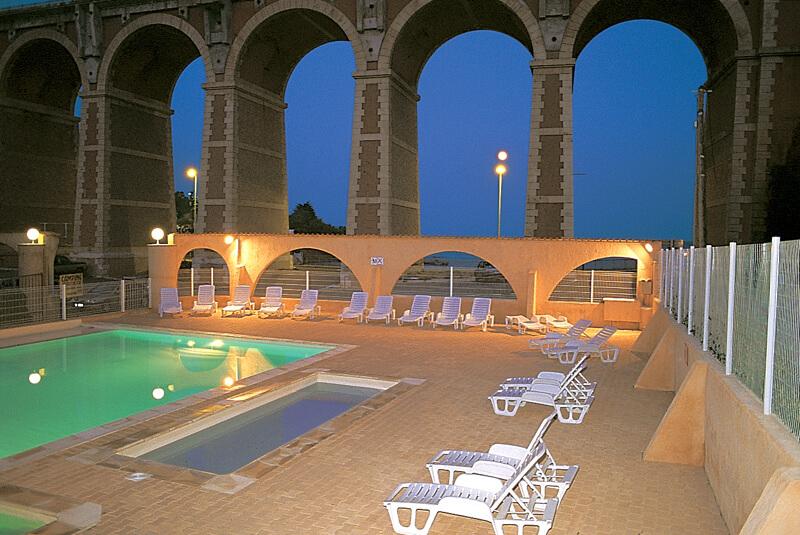 Espace piscine et pataugeoir au Camping Azur Rivage à Anthéor